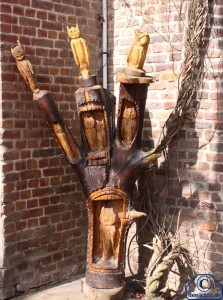 Holzschnitz-Kunst am Eulen-Tor