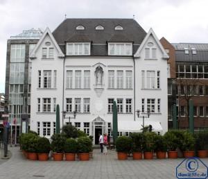 Weisses Haus in Neuss