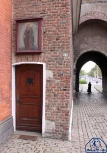 Durchfahrt des Obertors und Eingang zur Obertorkapelle